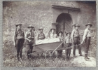 Photo de patrouille devant la cantine du Puisoire (1915)